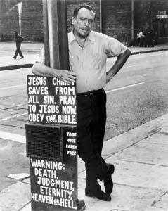 Charles Bukowski - En İyi Adamlar Yalnızken Güçlüdür